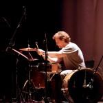 """Frontière/Grens/Border : Jean-Louis Maton interprétant """"Drum and Bass To Rio"""" de Raphaël Vens"""